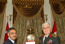 Chief of Turkish General Staff presenting